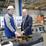 Сенатор Олег Цепкин посетил производственные площадки «Станкомаша»
