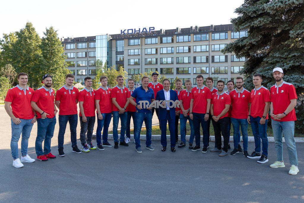 КОНАР посетили хоккеисты челябинского клуба КХЛ «Трактор»